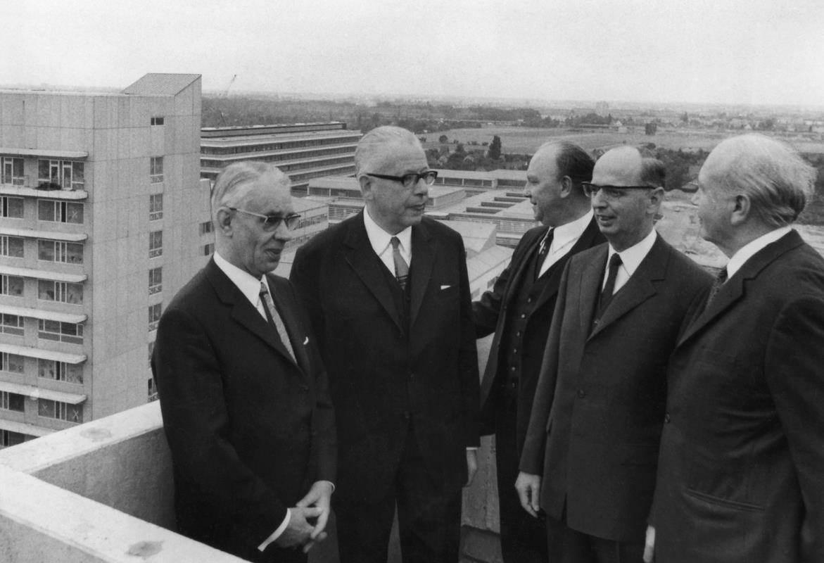 Minister of Culture Richard Langeheine 1969 with Federal President Gustav Heinemann, Egon Franke, Hans Stephan Stender and Wolfgang Frenzel (from left)
