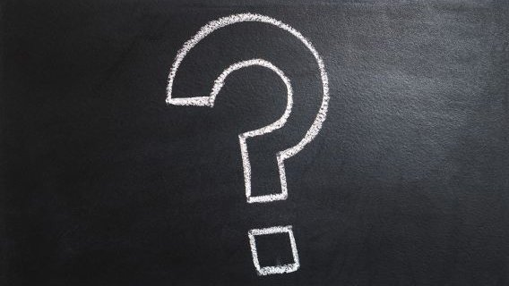 Copyright: Tero Vesalainen/Pixabay_a big question mark, written with chalk on a board
