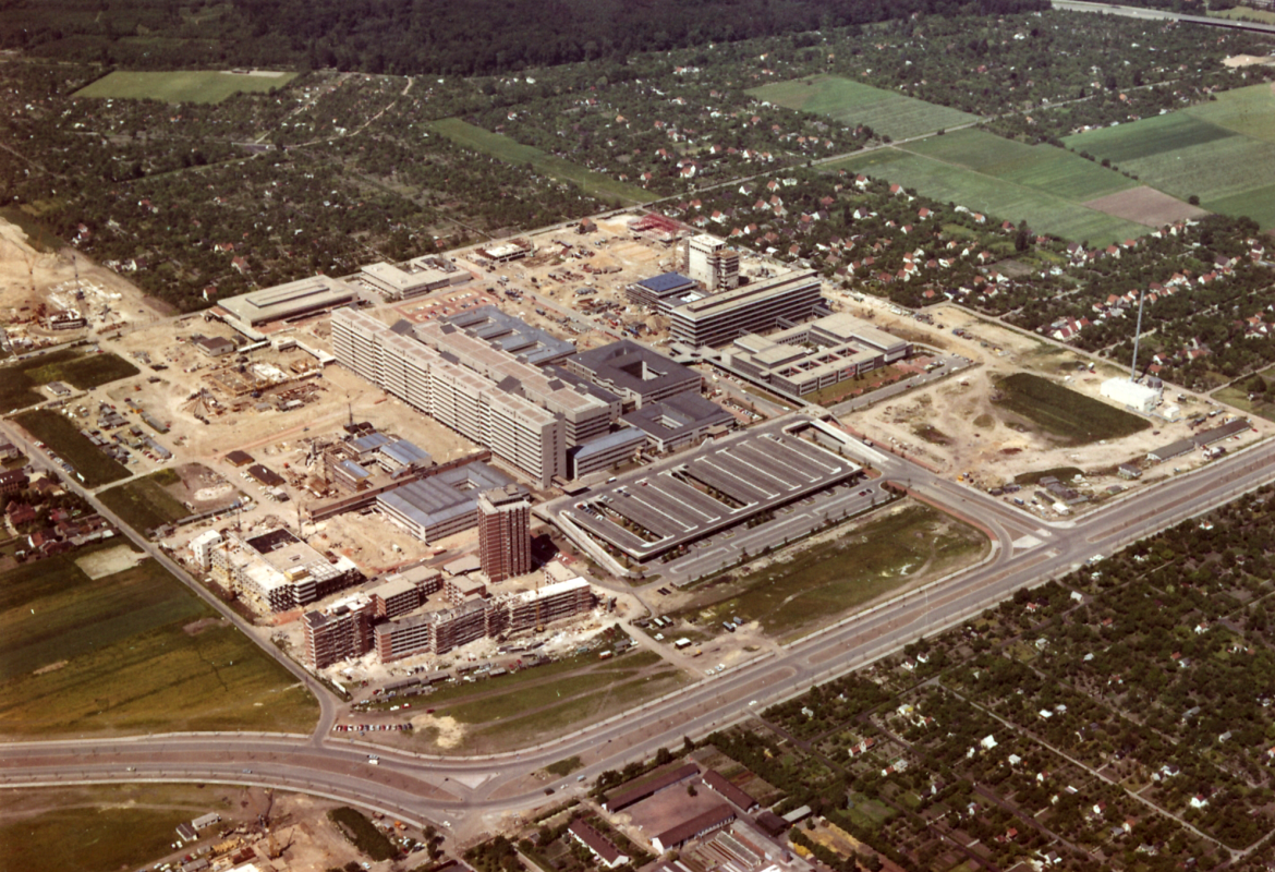 Aerial view of the MHH site 1970. Copyright: MHH Archive / Communications Office